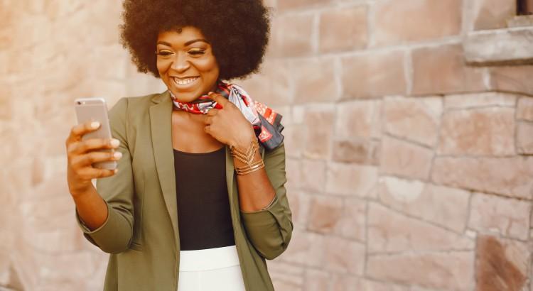 Blowout: finalização que dá volume a cabelos crespos