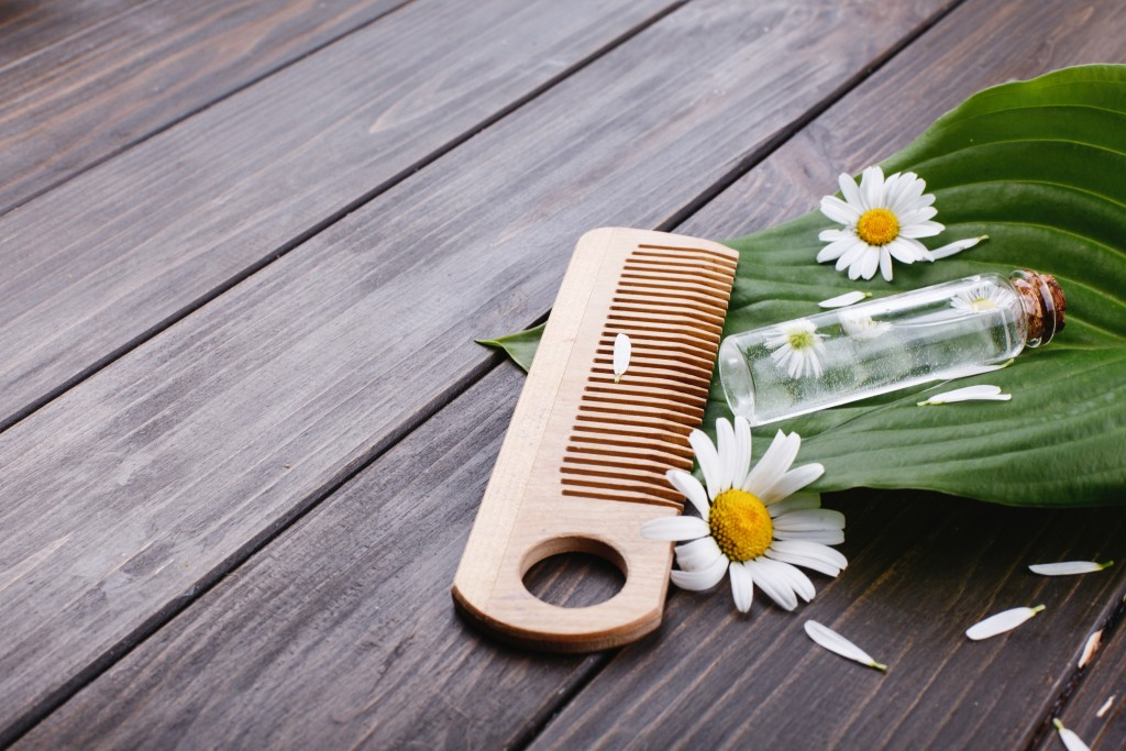 5 dicas para manter o cabelo liso por mais tempo e sem frizz