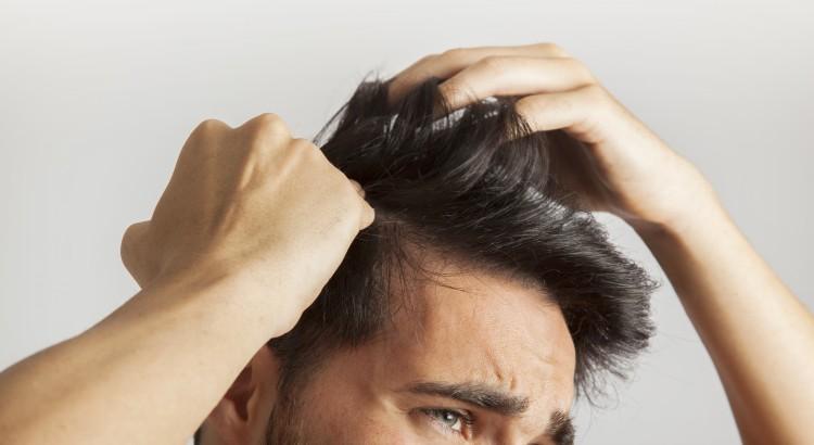 10 causas de perda de cabelo e como resolver