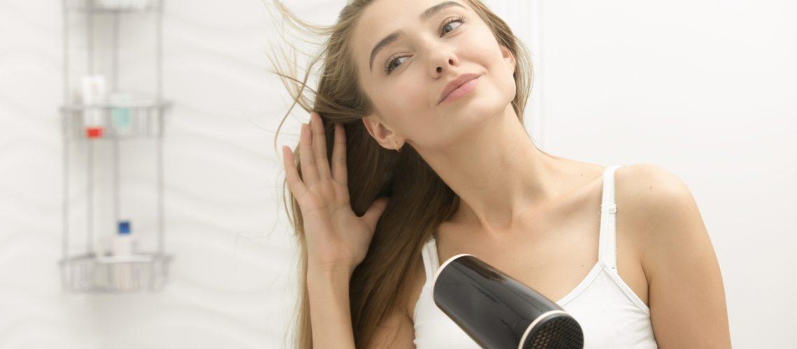 5 erros na hora de secar o cabelo