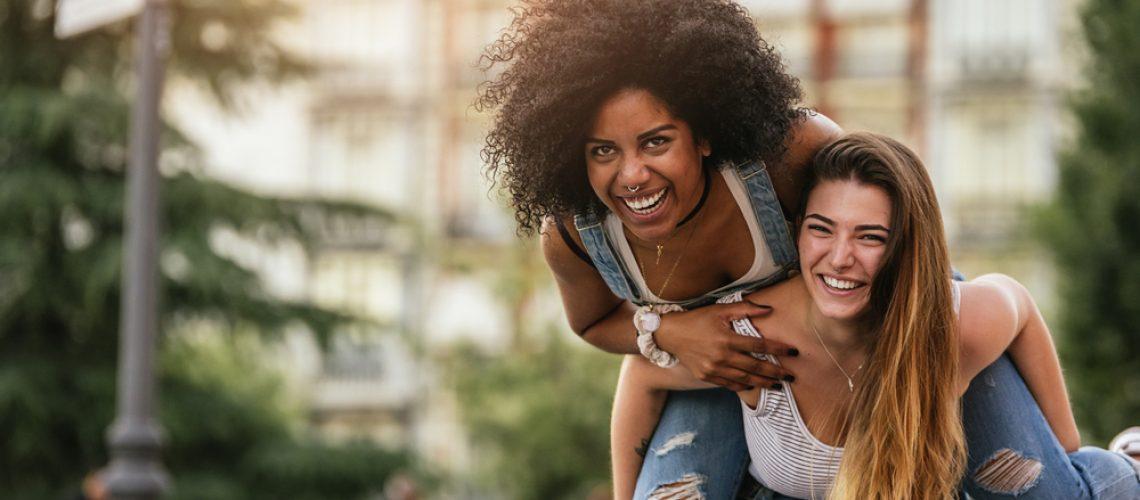 Crescimento capilar: saiba qual o melhor jeito de deixar o seu cabelo crescer bonito e saudável!